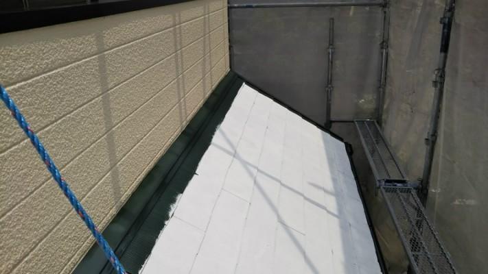 屋根塗装中塗り1