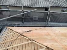 垂木の上野地板設置