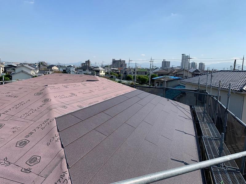 軒先から屋根材施工