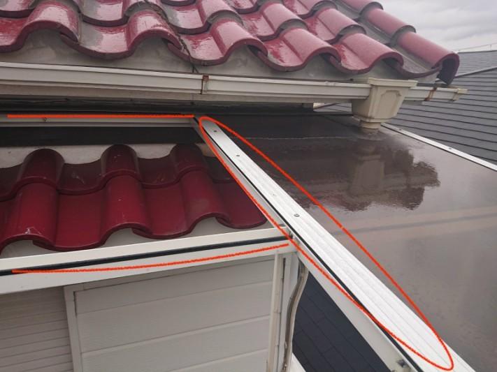 ベランダ屋根のポリカパネルの被害