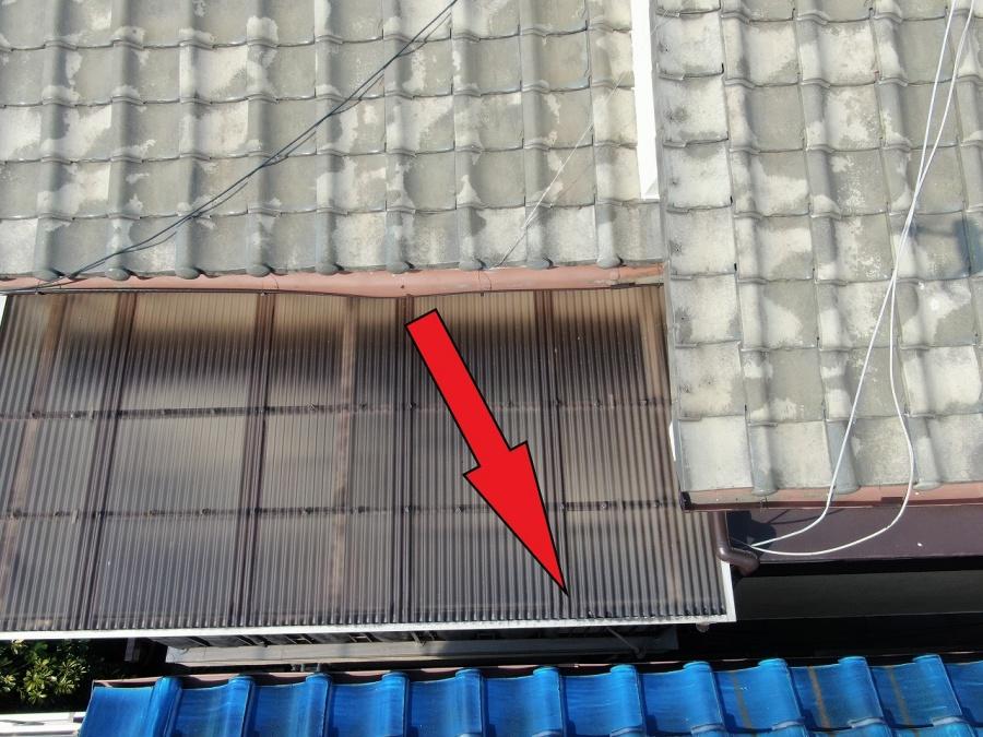雨水が流れてしまう雨樋の破損