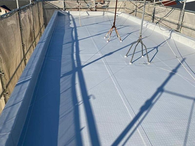 羽曳野市の屋上修繕をご紹介【シート防水にて屋上の修理】